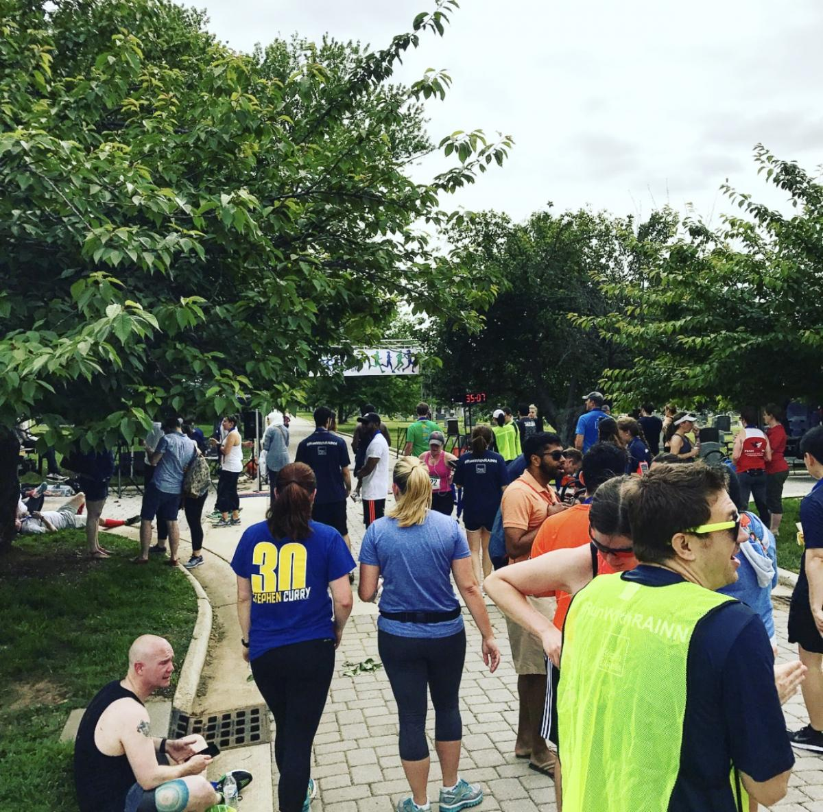 Several runners begin racing during 2017 Lace Up for RAINN 5K